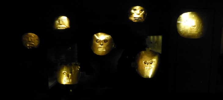 gold-masks